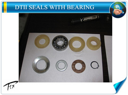 LABYRINTH SEALS FOR CONVEYOR ROLLER