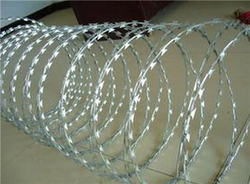 SS barbed wire from ANPING TENGLU METAL WIRE MESH CO.LTD./INFO@STAINLESSSTEELWIREMESHFACTORY.COM