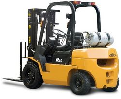 FORKLIFT ON RENT  from WESTERN HEAVY EQUIPMENT RENTAL L. L. C