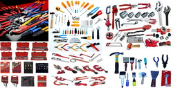 Hand Tools from LEADERS GCC -