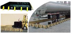 Oil Spill Berm Sentry SB-SQ3 /8/11/15/16/20 from SIS TECH GENERAL TRADING LLC