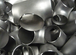 Stainless steel Tee from SIDDHGIRI TUBES