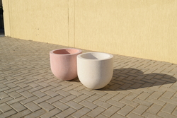 Planter pot Supplier in Fujairah from DUCON BUILDING MATERIALS LLC